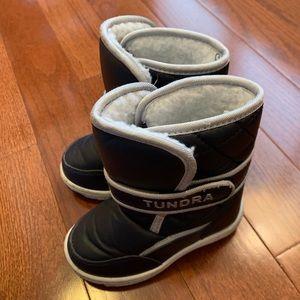 Tundra Kids Snow Boots in EUC